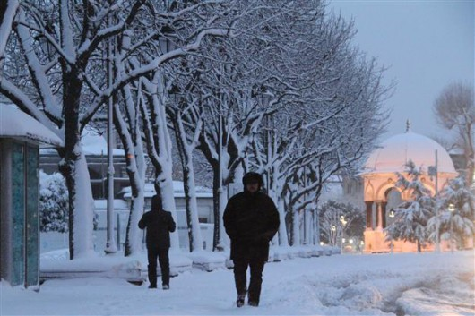 Turcja - Śnieżyce sparaliżowały Stambuł, pobiły został rekord sprzed 28 lat 1