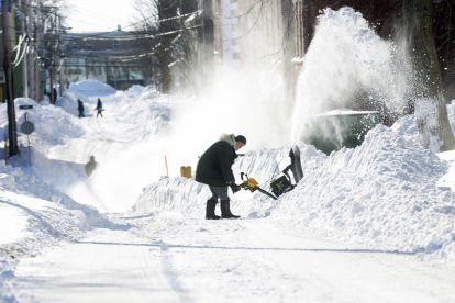 USA - Śnieg sypie w Chicago 5
