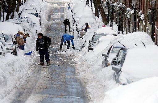 USA - Kolejna śnieżyca na północnym-wschodzie kraju 6