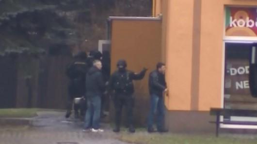 Uherský Brod, Czechy - 60 letni mężczyzna wszedł do restauracji i zastrzelił 9 osób