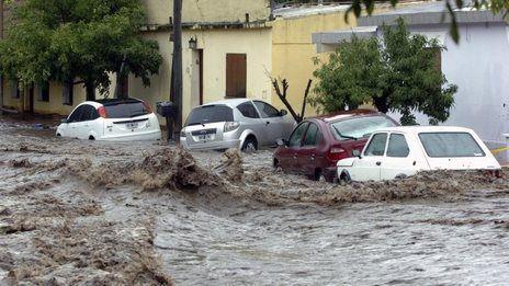 Argentyna - Ulewne deszcze i ogromna powódź, największa katastrofa naturalna od 50 lat 1
