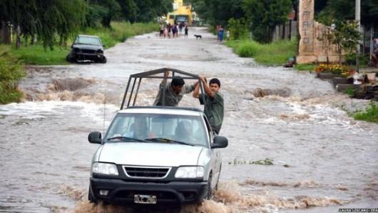 Argentyna - Ulewne deszcze i ogromna powódź, największa katastrofa naturalna od 50 lat 2