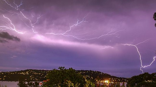 Australia - Burza z piorunami i ulewnym deszczem w Sydney 1