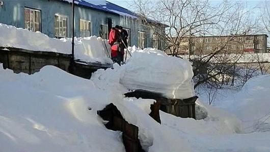 Bułgaria - Śniegu coraz więcej, prawie 70 tysięcy gospodarstw bez prądu