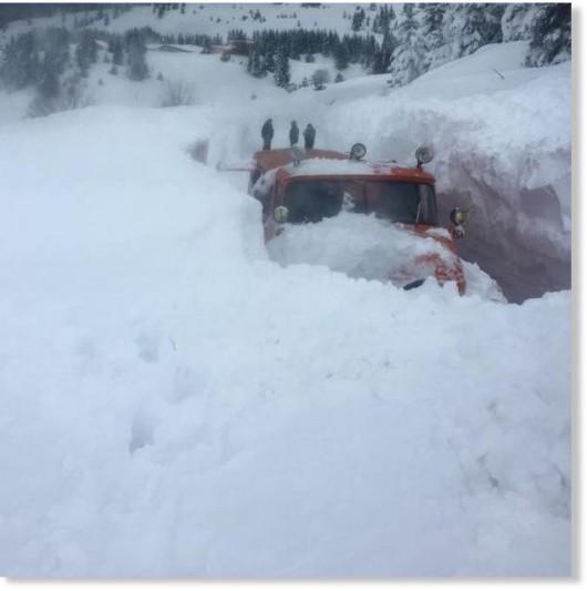 Bułgaria - Śniegu coraz więcej, prawie 70 tysięcy gospodarstw bez prądu 6