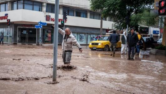 Chile - Ulewne deszcze na pustyni Atakama, która jest najsuchszą pustynią świata 1