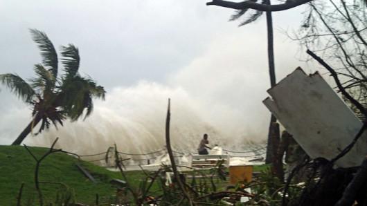 Cyklon Pam, który zniszczył Vanuatu, przeszedł nad Nową Zelandią, nie wyrządził już dużych zniszczeń