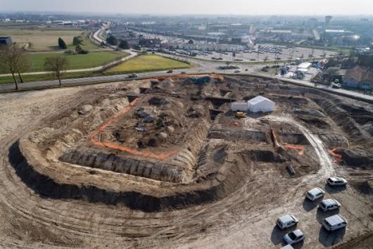 Lavau, Francja - Sensacyjne odkrycie, znaleziono wielki grobowiec celtyckiego księcia z V wieku p.n.e. 2
