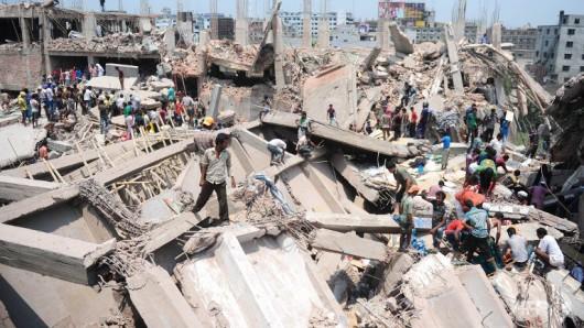 Mongla, Bangladesz - Zawaliła się cementownia, około 100 osób pod gruzami