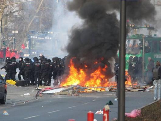 Niemcy - Ponad 200 osób zostało rannych podczas protestów we Frankfurcie nad Menem 3