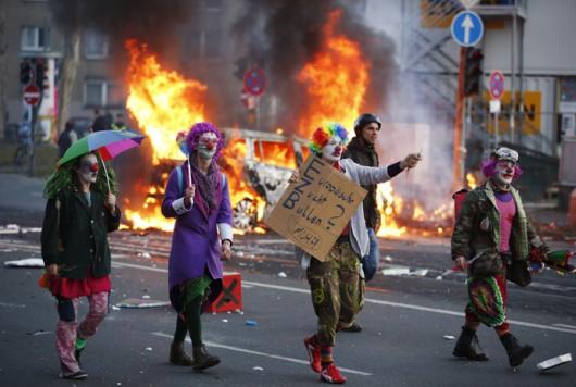 Niemcy - Ponad 200 osób zostało rannych podczas protestów we Frankfurcie nad Menem 7