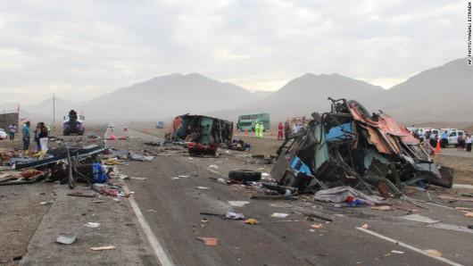 Peru - Na autostradzie zderzyły się dwa autobusy i ciężarówka, zginęło 37 osób