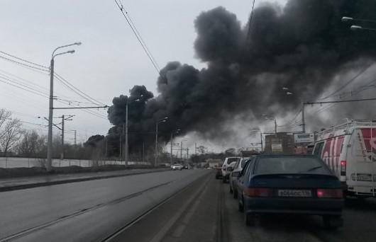 Rosja - Duży pożar supermarketu w Kazaniu 4