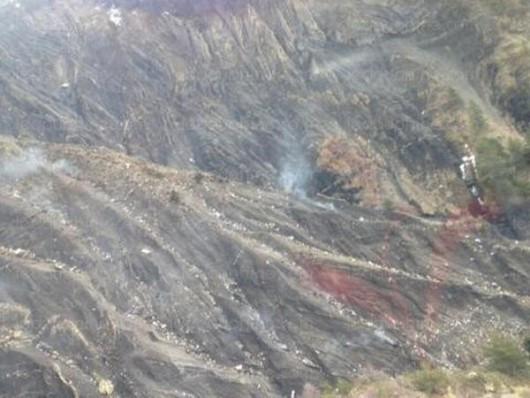 Samolot airbus A320 tanich niemieckich linii lotniczych Germanwings rozbił się we francuskich Alpach 4
