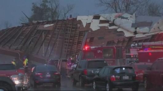 USA - Co najmniej trzy tornada w środę przeszły nad stanami Arkansas i Oklahoma 11