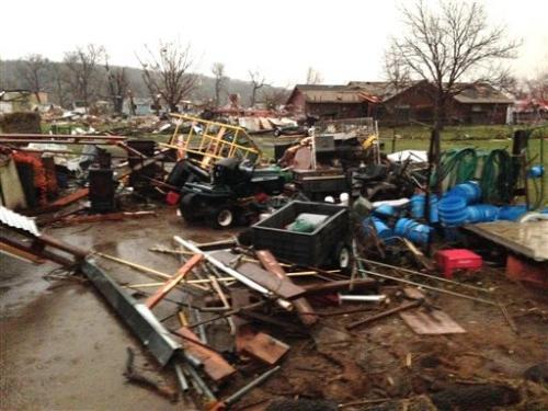 USA - Co najmniej trzy tornada w środę przeszły nad stanami Arkansas i Oklahoma 12