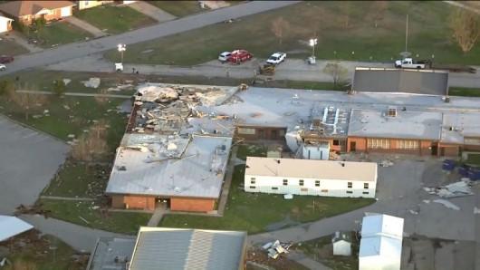USA - Co najmniej trzy tornada w środę przeszły nad stanami Arkansas i Oklahoma 7