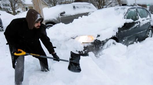 USA - Silna śnieżyca uderzyła w środkowo-zachodnią część kraju 4