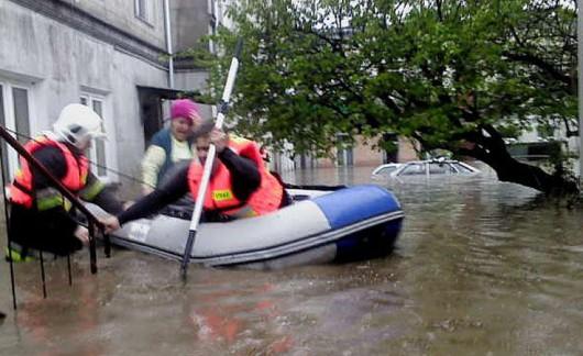 Brzeziny, Polska - Burze i ulewne deszcze, pozalewane domy i samochody 5