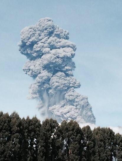 Chile - Kolejna potężna erupcja wulkanu Calbuco 2