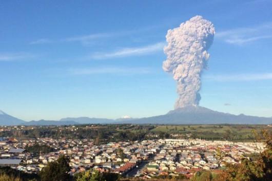 Chile - Po 43 latach nastąpiła potężne erupcje wulkanu Calbuco 3