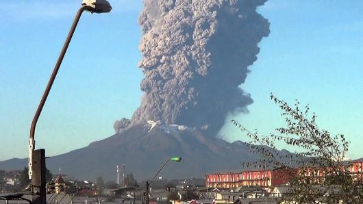 Chile - Po 43 latach nastąpiła potężne erupcje wulkanu Calbuco 4