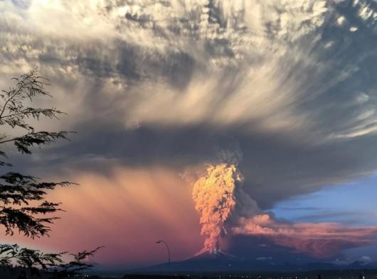 Chile - Po 43 latach nastąpiła potężne erupcje wulkanu Calbuco 5