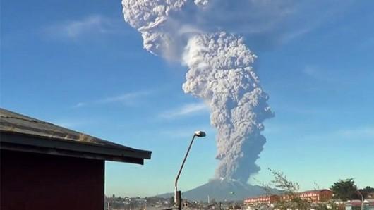 Chile - Po 43 latach nastąpiła potężne erupcje wulkanu Calbuco 7