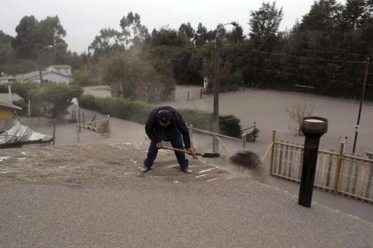 Chile - Po erupcji wulkanu Calbuco powstały spływy błotne i lahary 12