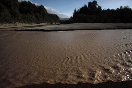 Chile - Po erupcji wulkanu Calbuco powstały spływy błotne i lahary 3