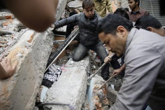 Katmandu, Nepal - Bardzo silne trzęsienie ziemi, magnituda 7.9 w skali Richtera 10
