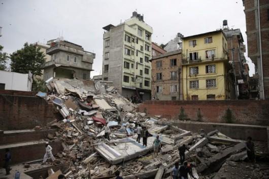 Katmandu, Nepal - Bardzo silne trzęsienie ziemi, magnituda 7.9 w skali Richtera 11
