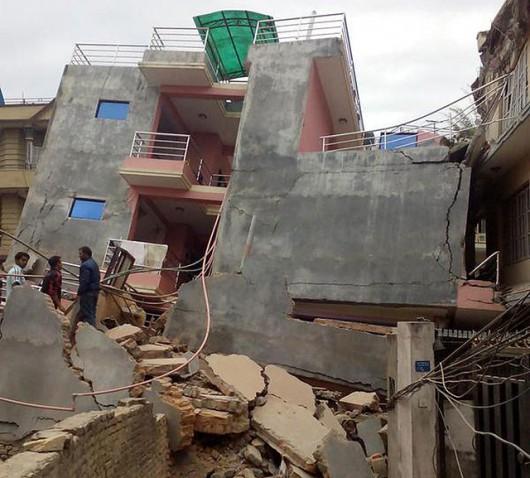 Katmandu, Nepal - Bardzo silne trzęsienie ziemi, magnituda 7.9 w skali Richtera 21