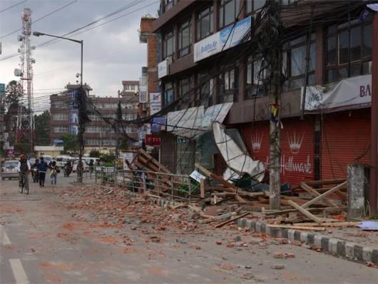 Katmandu, Nepal - Bardzo silne trzęsienie ziemi, magnituda 7.9 w skali Richtera 31