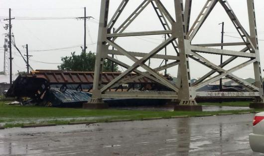 Nowy Orlean, USA - Potężna burza pozbawiła prądu ponad 200 tysięcy gospodarstw domowych 4