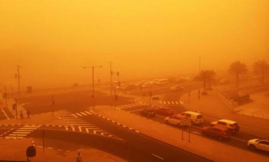 Potężna burza piaskowa na Półwyspie Arabskim 1