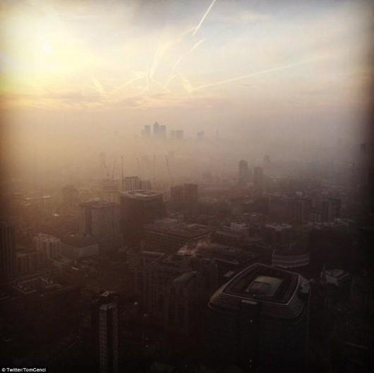 UK - Pył znad Sahary i spaliny samochodowe spowodowały ogromne zanieczyszczenie powietrza 2