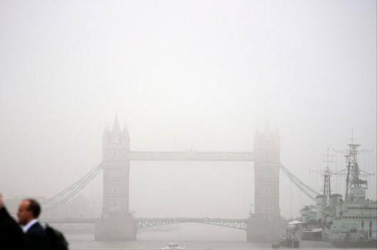 UK - Pył znad Sahary i spaliny samochodowe spowodowały ogromne zanieczyszczenie powietrza