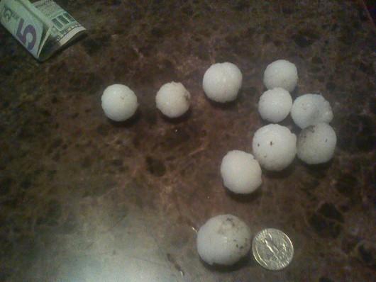 USA - Ulewny deszcz 60 lmkw w ciągu 30 minut i grad wielkości piłek golfowych 5