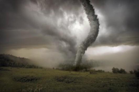 USA - Ulewny deszcz, grad i porywisty wiatr