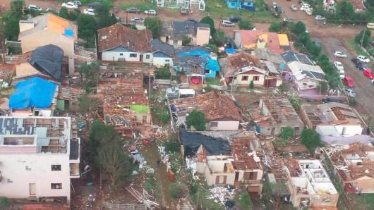 Xanxere, Brazylia - Potężne tornado w 5 minut zniszczyło 2600 gospodarstw 2
