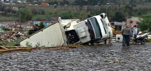 Xanxere, Brazylia - Potężne tornado w 5 minut zniszczyło 2600 gospodarstw 4