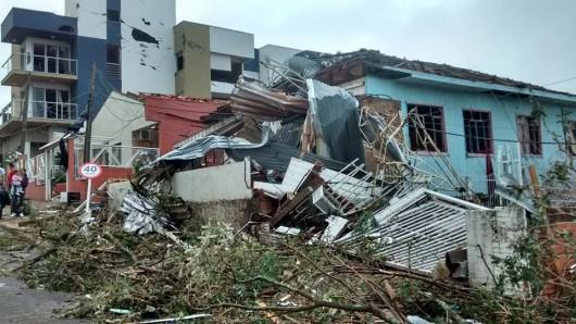 Xanxere, Brazylia - Potężne tornado w 5 minut zniszczyło 2600 gospodarstw 6