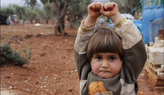 Zdjęcie dziecka z Syrii bardzo szybko zyskało popularność w sieci