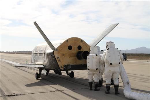 bezzałogowy wahadłowiec X-37B