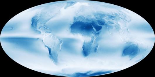 Średnie zachmurzenie na Ziemi