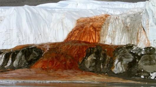 Antarktyda - Rozwiązano zagadkę krwawych wodospadów na Lodowcu Taylor 1