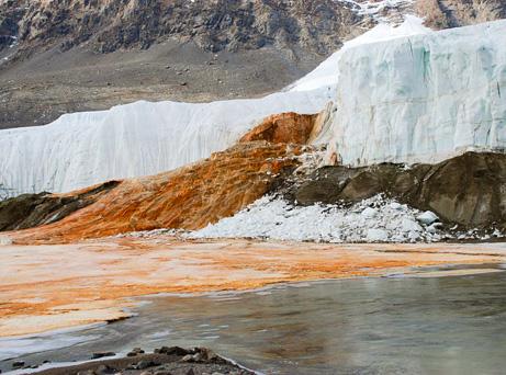 Antarktyda - Rozwiązano zagadkę krwawych wodospadów na Lodowcu Taylor 3