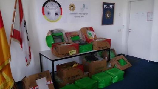 Berlin, Niemcy - Do kilkunastu supermarketów sieci Aldi dotarły banany z Kolumbii wraz z 386 kilogramami kokainy 2