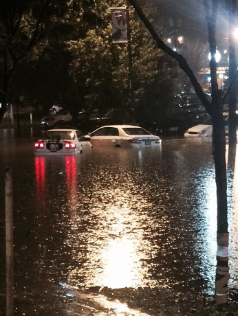 Ekwador - Pływy morskie i obfity deszcz wywołały powódź, wojsko pomaga 2